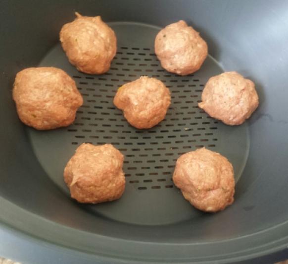 Albóndigas al vapor en salsa de tomate con Thermomix®