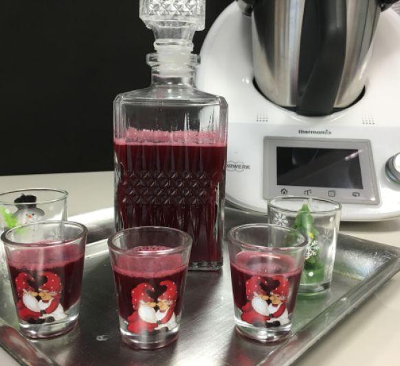 Licor de frutos rojos con Thermomix®