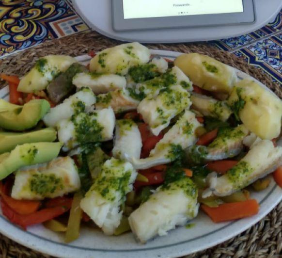 Bacalao con verduras mojo verde