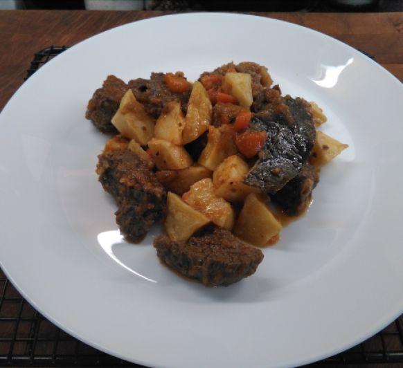 Carne con papas y zanahoria
